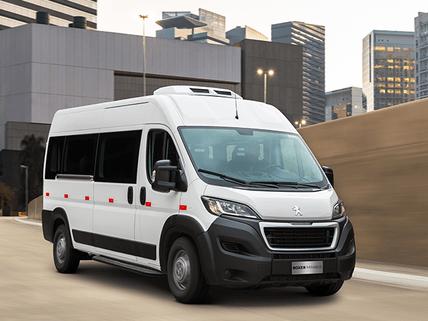 Peugeot_Boxer_minibus