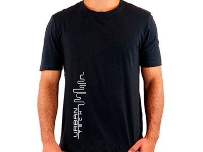 Camiseta PRETA_Urban Tech_Estampa Branca_400x300