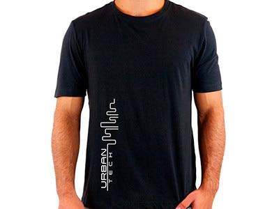 Camiseta PRETA_Urban Tech_Estampa Branca_400x300